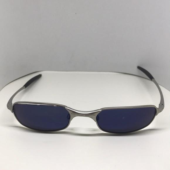 3241ea0ca7 Vintage Oakley Square Wire 2.0 Sunglasses. M 5a88f675f9e501fcf72faf9c